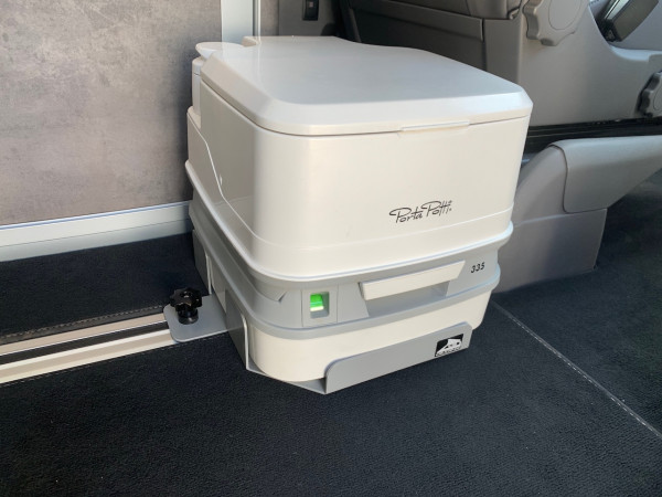 Porta Potti Qube 335 im SET 1 mit Holder